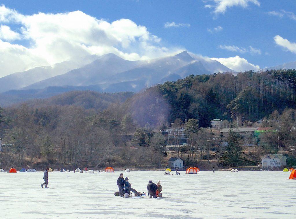 松原湖氷上